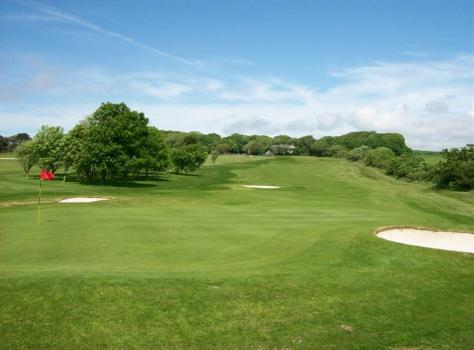 picture of tehidy park golf course in cornwall
